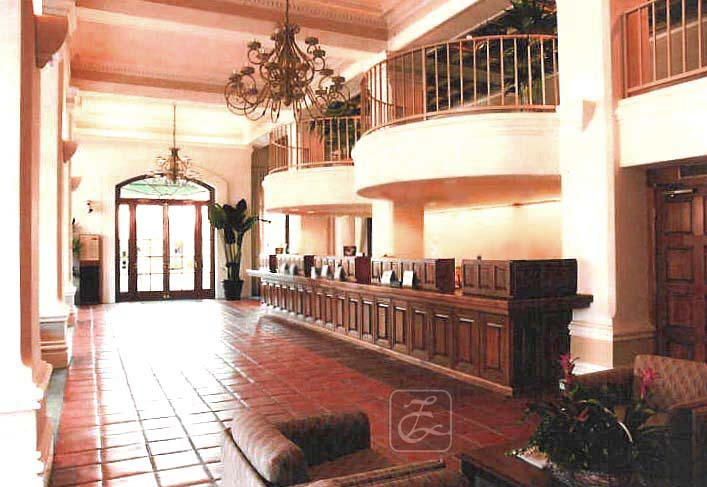 La Cumbre Savings Bank's Lobby, with curved Mezzanine balcony a counterpoint to the grid